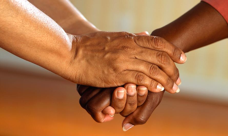 Hoe zet je twintigers en dertigers aan tot geven? Een onderzoek naar social media appeals
