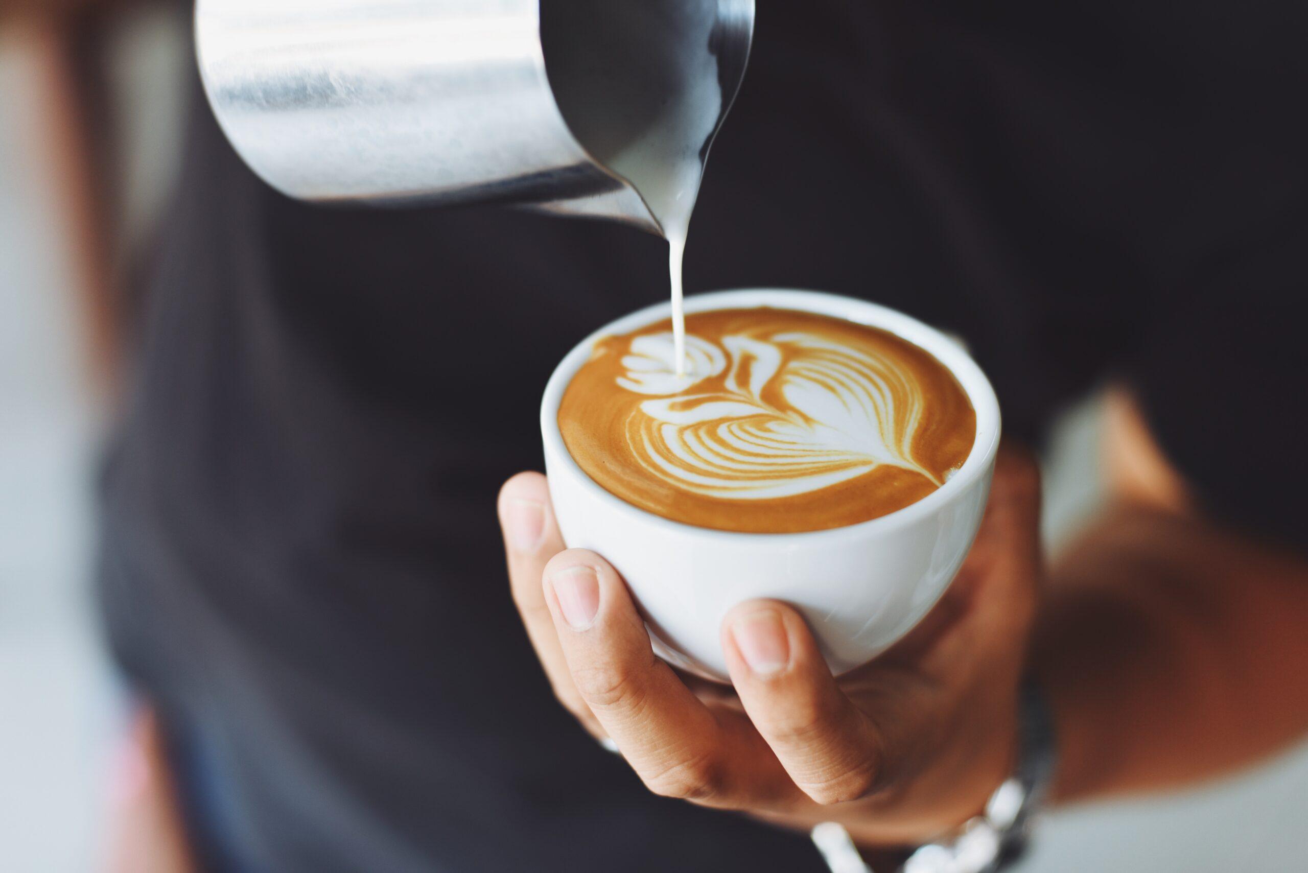 Merksterkte: waarom mensen bereid zijn 5 euro voor een Starbucks koffie te betalen